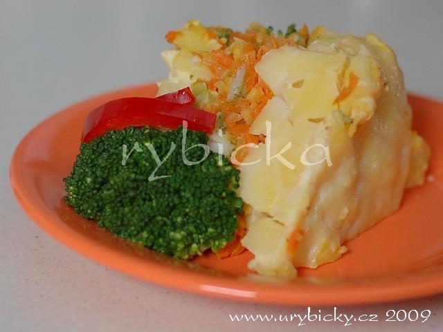 Pangas zapečený s kořenovou zeleninou a brokolicí